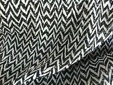 """Noir & Gris """" Zig Zag """" Chevron Mousseline Imprimé Robe Tissu"""