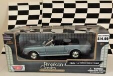Motor Max 1964 1/2 Ford Mustang Convertible Silver Blue 1/24 2014