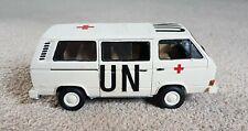 Vintage - Model Kit - Volkswagon T3 - UN Ambulance - Assembled - 1:32 - TAKOM