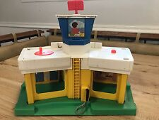 Vintage Fisher Price Little People #2502 AIRPORT BUILDING