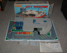 VINTAGE 1981 MATCHBOX CITY GARAGE