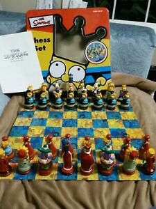 The Simpsons Chess Set vintage complete collector's tin 2000 Cardinal Simpsons