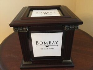 Bombay Company Classic Wooden Photo 3.5 X 3.5 Cube 2002