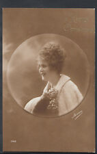 Greetings Postcard - A Happy Christmas - Glamorous Young Lady   RS6344