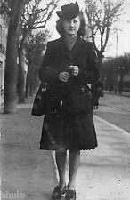BD767 Carte Photo card RPPC Femme mode fashion chapeau sac a main vers 1920