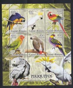 GUINEA BISSAU 2005 BIRD STAMPS PARAKEETS  SS MNH - BIRDL738