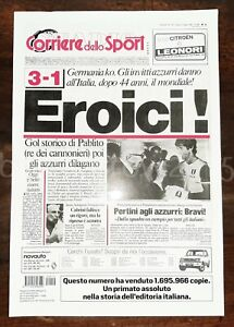 """POSTER PLASTIFICATO COPERTINA CORRIERE DELLO SPORT """"EROICI"""" 12/07/82 PAOLO ROSSI"""