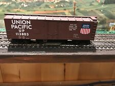 HO Train Union Pacific Box Car #113803 Cleaning Plate on bottom - Estate 1807