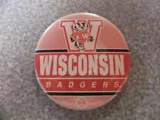 L# 617 University of Wisconsin Badgers 3.5 inch button, EX condition
