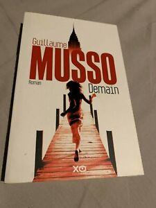 DEMAIN --  Guillaume MUSSO** gros LIVRE BROCHE