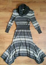 Absolutely gorgeous womens woolen dress from Karen Millen. Size 3/UK 10/12. VGC.