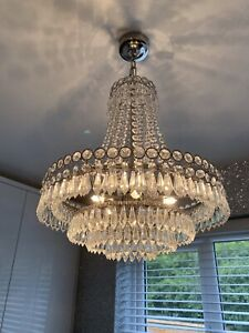'LAURA ASHLEY' CLEAR CRYSTAL CHANDELIER CEILING LIGHT. IMMACULATE CONDITION.