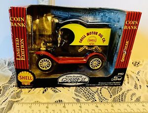 Gearbox Die Cast~1912 Ford Model T Coin Bank~Shell Oil 1:24~Box Is Worn A Bit🚙
