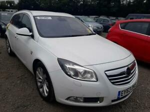 BREAKING VAUXHALL INSIGNIA 2013 IN WHITE COLOUR WHEEL BOLTS
