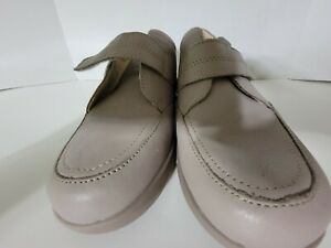Hush Puppies Hook&Loop Leather Comfort Walking Woman's Shoes US 9