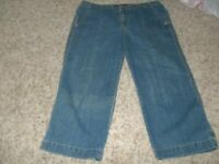 GLORIA VANDERBILT Stretch Jean Denim Capris Crop Size 12   35 x 22""