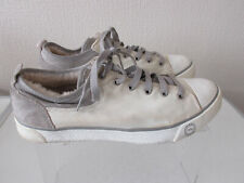 UGG AUSTRALIA Evera Womens Canvas Shoes Size 8