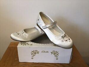 Clarks Girls Bride/Bridesmaid Ivory Satin Shoes Size U.K 3.5 F