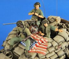 Verlinden 1/35 US AFV Crew Vietnam Set I (2 Full Figures and 1 Half-Figure) 2554