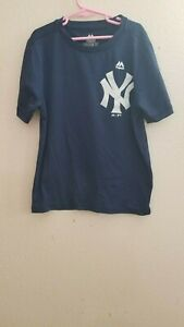 New York Yankees Polyester T-Shirt tee Size Youth M Majestic Cool Base