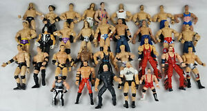 32 x Wrestling Figures, JAKKS, Marvel, Wrestlers WWE, WWF, Job Lot, Bundle