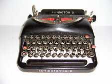 VINTAGE REMINGTON RAND 5 TYPEWRITER AND CASE