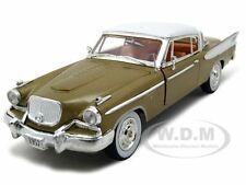 1957 STUDEBAKER GOLDEN HAWK 1:32 DIECAST MODEL CAR SIGNATURE MODELS 32399