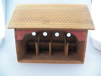 VTG Birdhouse or Feeder 4 Stall Red Brick Schoolhouse Removable Roof Design GUC