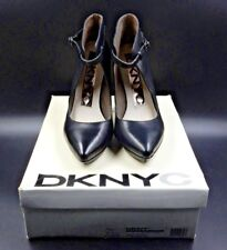DKNY NICOLETTE CALF HEIGHT OPEN FRONT POINTED TOE HEELED BLACK BOOTS - SIZE 7
