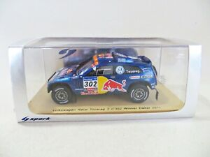 SPARK S0823 'VW RACE TOUAREG 3 #302. 1st PARIS DAKAR RALLY 2011. 1:43 MIB/BOXED