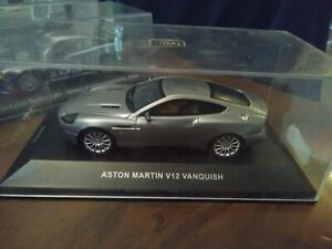 1/43  IXO  Aston martin V12 Vanquish