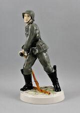 Porzellan Figur Soldat in Uniform Deutschland Ens H35cm 9941219