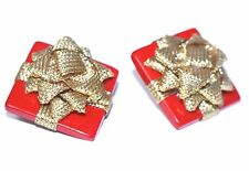 vintage LITTLE GOLD RIBBON WRAPPED CHRISTMAS PACKAGES CLIP EARRINGS LIGHTWEIGHT