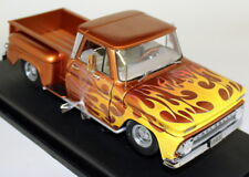 SUNSTAR 1/18 SCALA 1392 1965 CHEVROLET C-10 Stepside PICK-UP Lowrider Arancione