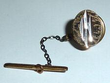 Un vintage d'oro su argento TIE PIN con un design inciso