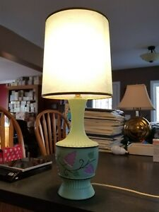 VINTAGE MID CENTURY LEVITON green grape pattern pottery TABLE LAMP with shade.