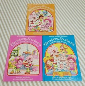 Lot of 2 Vintage Strawberry Shortcake Hardcover Parker Brothers Books 1FREE