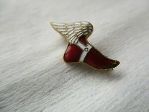 Vintage NEW YORK ATHLETIC CLUB WINGED FOOT LAPEL PIN