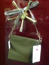 chicbuds, chic buds, cross body purse, with built in phone charger