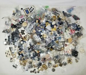 10+ lbs Lot Vtg Antique Mixed Buttons Bakelite Metal +More Plenty Pics To See