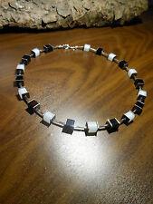 Neu unikat weiß schwarz Würfel Polariskette Halskette Polaris perlen kette weiss
