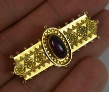 Victorian 18ct Gold and Garnet Cabochon Brooch with Filigree Design p1110