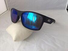 gafas de sol modelo wayfarer negras cristal azul  retro espejadas