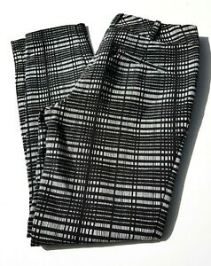 REVIEW  Skinny Stretch Capri Style Pants Womens Size 10  Black White Pattern
