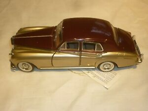 A Franklin mint of a scale model of a 1955 Bentley S1,  no box