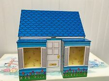 2001 Madame Alexander- Petite Playhouse for 5 inch dolls