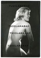 Hübsche Frau Model Erotik Foto Pose Nackt Busen Brust  Erotik Akt