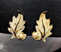 Vintage Frost Effect in Gold-tone Clip-on KRAMER Jewellery Earrings 1950s