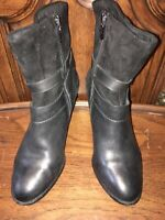 CLARKS WOMENS BOOTS SIZE 8.5M ANKLE ZIPPER BLACK LEATHER AND SUEDE