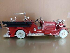ERTL 1937 AHRENS-FOX PUMPER TRUCK BANK Dallas w/White Tires